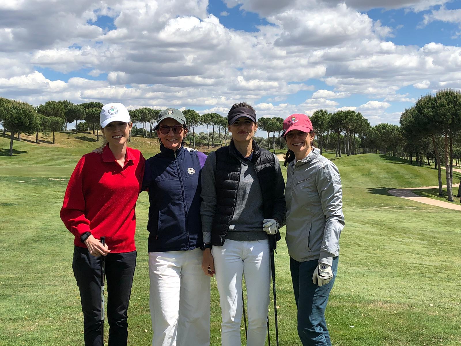 torneo benéfico de golf